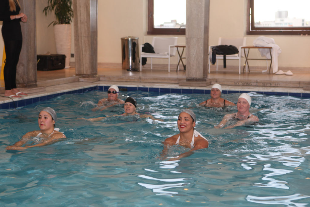 artistic swimming online courses photo y Lesley Burdett