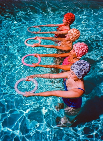 Synchronized swimmers from Aquabatix