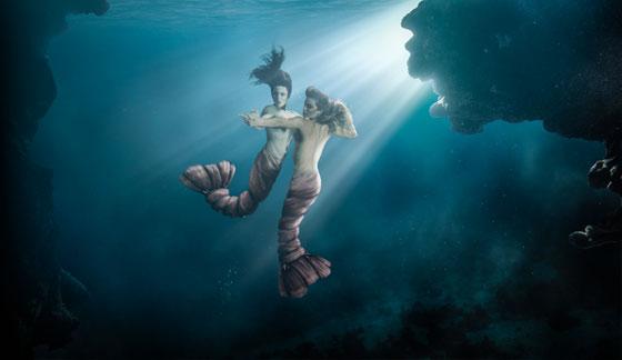 Aquabatix underwater models pose for Smack Lobster London